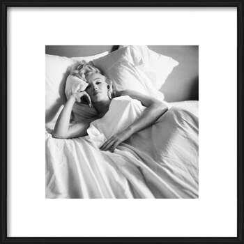Zarámovaný plagát Marilyn Monroe - Bed