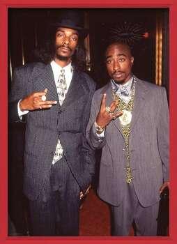 Zarámovaný plagát Snoop Dogg & Tupac - Suits